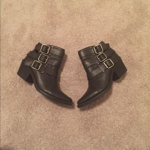 Black pointed toe ankle boots